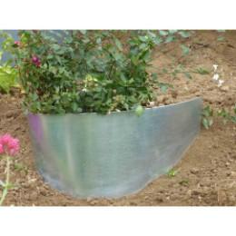 Bordure de jardin demi-lune en acier galvanisé brut pour talus