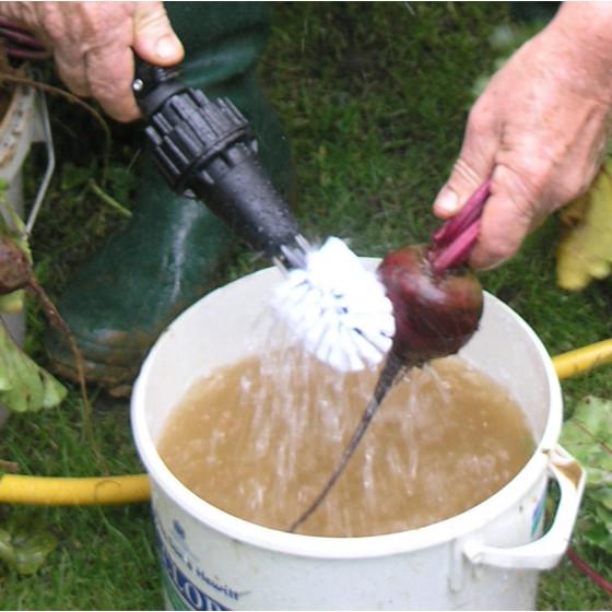 Brosse de lavage rotative sur tuyau d'arrosage